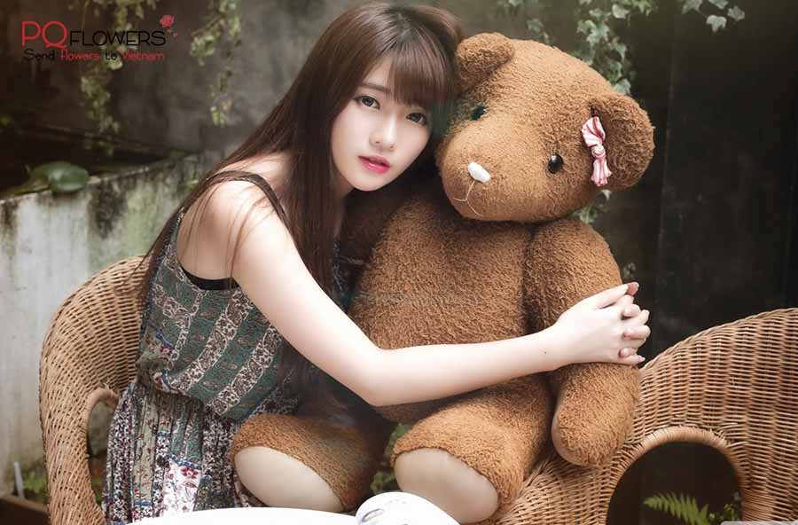 giant-teddy-bear-gifts-to-viet-nam-220321